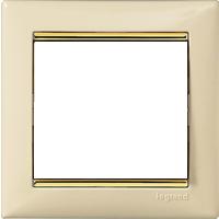 Рамка Valena (пластик кремовый глянцевый/золот.штрих)