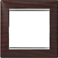 Рамка Valena (пластик темное дерево/серебр.штрих)